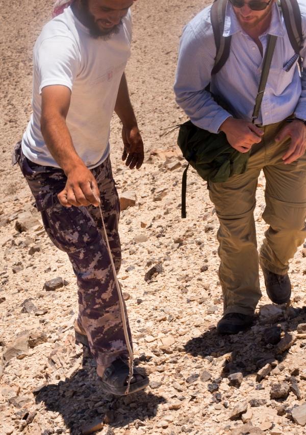 Musa showing dead viper